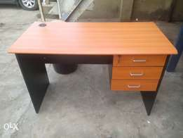 Good Quality/Durable Office Table(New)