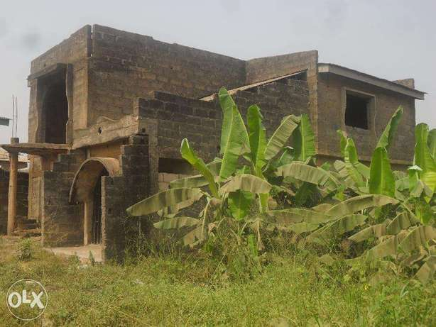 Uncompleted building Lagos Mainland - image 5