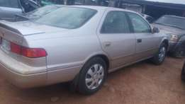 Well used Toyota Camry drop light 2001 model super clean leather seat