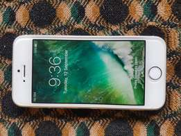 Iphone 5s silver very clean 16gb for sale