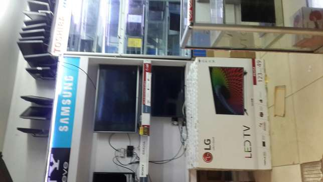 a container of LG TV'S 43 inches Karura - image 2