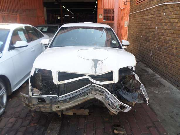 Audi A4 1.9 tdi stripping for spares at QUANTRO Pretoria West - image 2