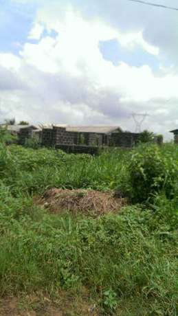 12 Rooms Uncompleted buiding in Sapara Keke - image 1