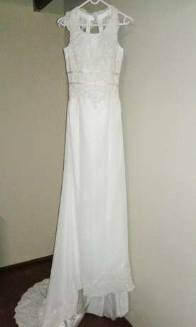 Ivory, Open-back wedding dresses for hire/sale! Kraaifontein - image 3