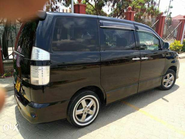 Very Clean Toyota Voxy KBW for sale Gatwikira - image 7