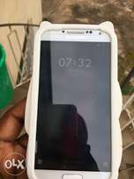 Samsung S4 with 5 difference pouches
