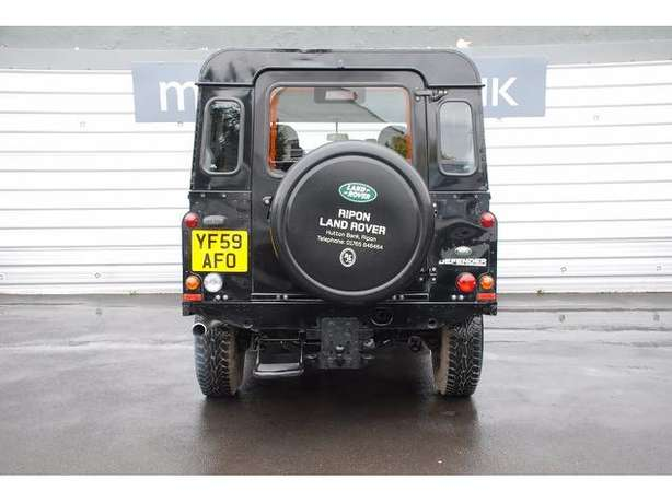 2010 Landrover Defender 110 TDI 2.4 Diesel Manual*Outstanding* leather Nairobi West - image 6