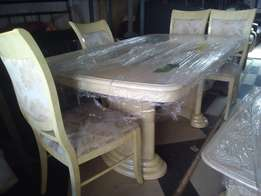 Dining table w/4 seats, ex Uk