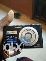 Sony digital camera with charger and battery. But no memory card