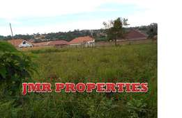 Prestigious 100 by 100ft plot for sale in the heart of Mukono at 75m