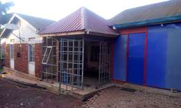 BUKOTO: 5 bedrooms house for sale on 21 decimals at 450m