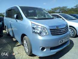 special offer on this Toyota Noah 2010 model