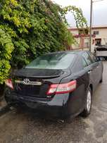 Toyota Camry XLE 2010 model Used extra ordinary clean buy and drive le