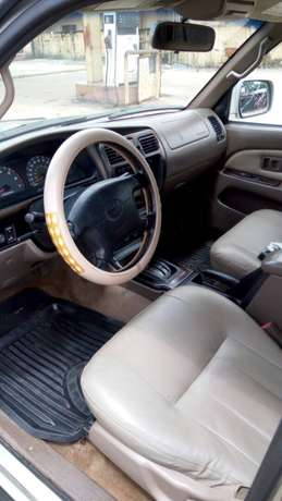 Clean Toyota 4 runner 1999 model for sale. Ethiope East - image 4