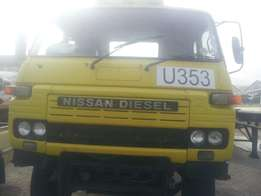 Nissan CK 20 single axle horse for sale