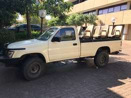Toyota Hilux 4X4 Game Viewer