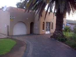 House To Let In Dersely