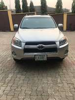 Toyota RAV4 full option  (2011)