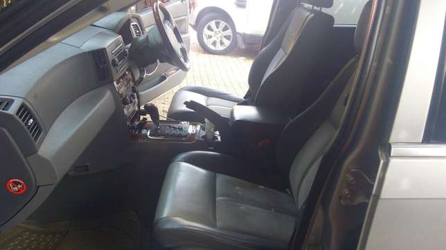 JEEP GRAND CHEROKEE local on sale. Going for 2.3m Nairobi CBD - image 3