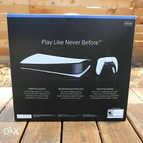 Sony PlayStation 5 Digital Edition Console PS5 - NEW - IN HAND FAST SH