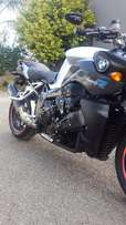 BMW K1200R registered 2009 stunner