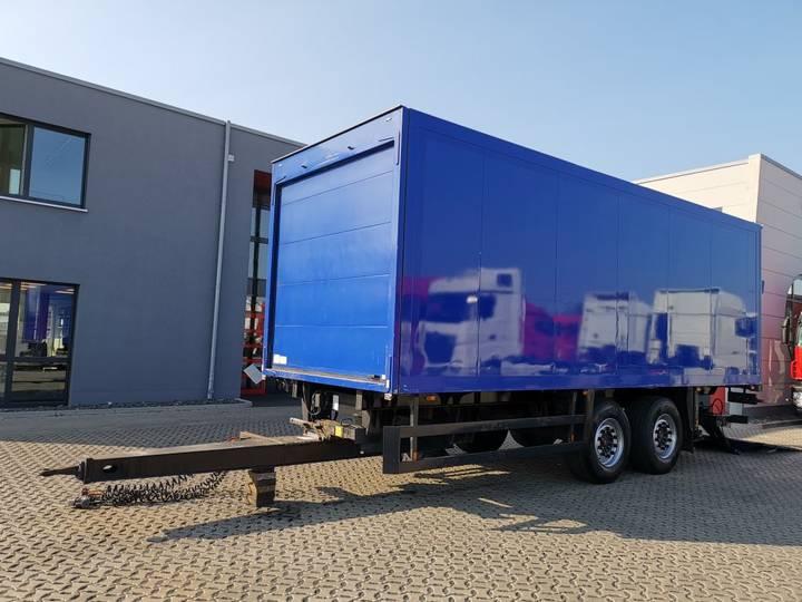 Schmitz Cargobull ZKO18 / Ladebordwand / 2 SAF Achsen - 2005