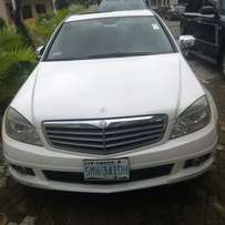 Clean and well maintained 2007 Benz c300 in superb working condition