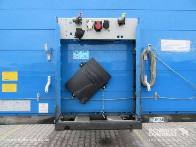 Schmitz Cargobull Curtainsider Coil - 2013 - image 10