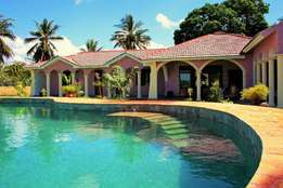 Creek-/Beachfront Villa,4 bedroom house at Mtwapa Creek,1.25acre land