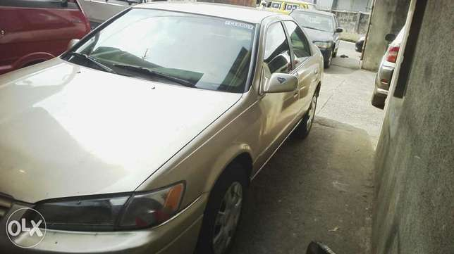 Nigerian used toyota camry Agege - image 3