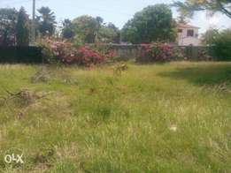 3/4 acre plot on links road Nyali.