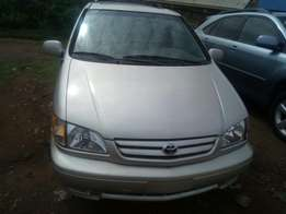 Toyota Siena 2001 model,Lagos clearing,Leather seat with DVD screen