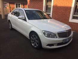 2008 Mercedes benz C180K Auto black leather very clean R109 990 neg