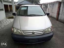 Toks lag cleared 02 toyota sienna LE for N1.750