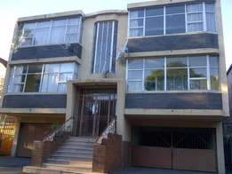 Bedroom to rent in Yeoville along Louis Botha