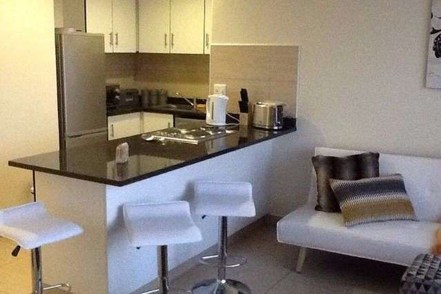1 bed or 2 bed modern beachfront apartments available Beach Front - image 4