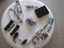 Nintendo Wii + 3 Games + 2 Controllers (Excellent Condition)