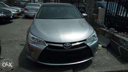 New And Improved 2015 Toyota Camry XLE With Navigation Rev Camera.