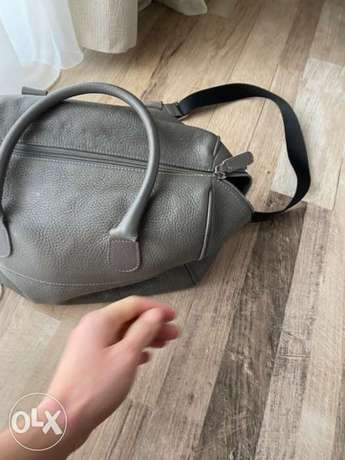 Armani collezioni hand bag bought for 1200$ الرياض -  4