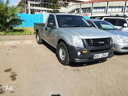 Isuzu D-max 2013 Model In Immaculate condition
