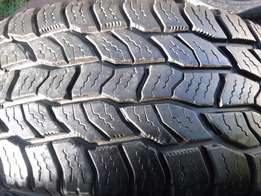 1xDiscoverer tyre Cooper AT 265/70/17,80 percent tread!!