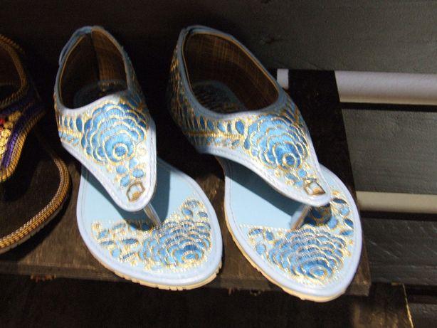 Buty oryginalne etniczne indyjskie sandały 10 par