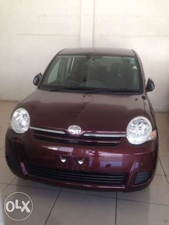 Toyota sienta maroon colour fully loaded kcp 2011 model Timbwani - image 1