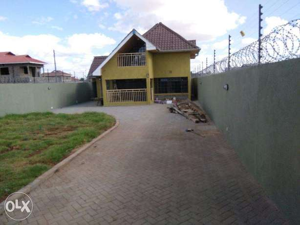 Ruai Stage 26, 4 Bedroomed Hse to Let Syokimau - image 1