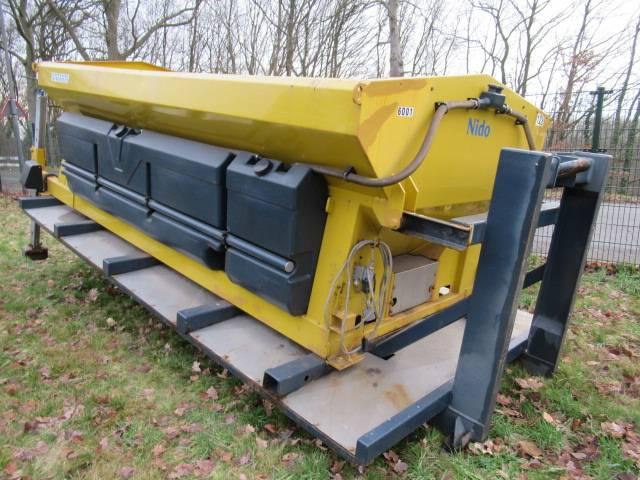 Nido Stratos B70-42PALN 7m3 + 2700 L. Salzstreuer - 2002