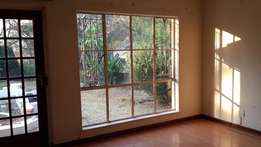 Room in Shared House in Fourways / Magaliessig. Female Preferred