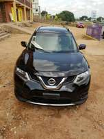 A neat Nissan Rouge 2015 model for sale