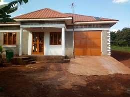 House in Entebe road kitende kitovu at 85m