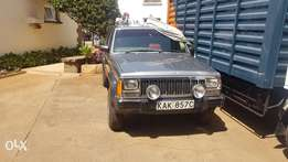Clean jeep Cherokee 3000cc . Sun roof and 4 wd