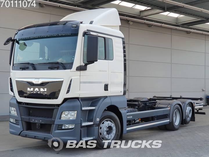 MAN TGX 26.440 XLX 6X2 Intarder Steering-Axle ACC Navi Euro 6 - 2015